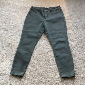 Juniors Soft Fitted Olive Color Jeans